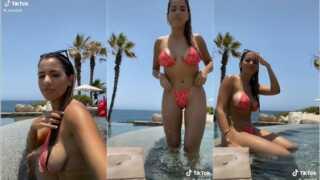 @_mandy8 bikini sideboob